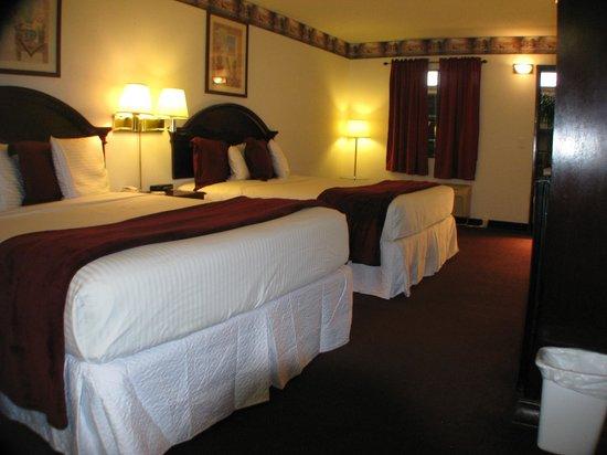 Dodge House Hotel: 2 Queen Bedroom