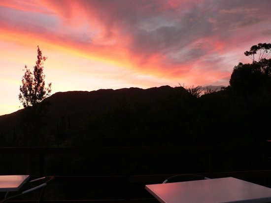 Mountain View Lodge Montagu: Sunset as seen from the deck