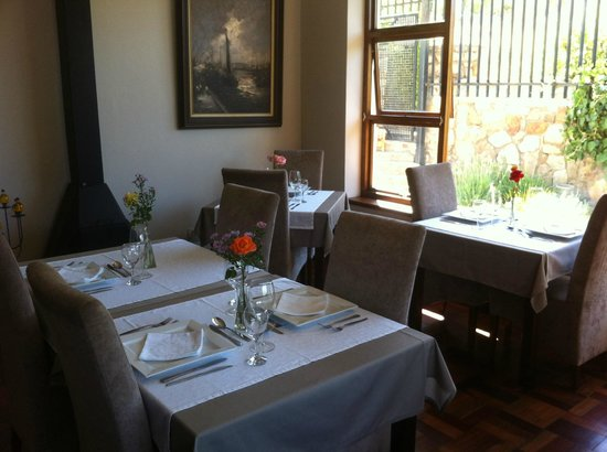 Mountain View Lodge Montagu: The restaurant, serves Belgian and South African food