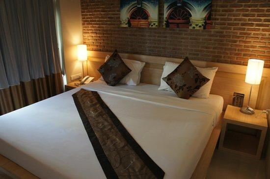 Chinotel Phuket : Standard Room