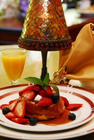 Fleur-De-Lys Mansion: Caramelized French Toast