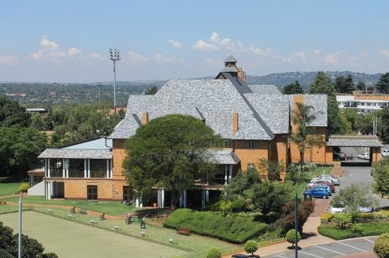 Protea Hotel by Marriott Johannesburg Wanderers:                   Club-Haus neben dem Hotel