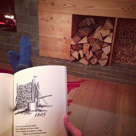 Montagne Alternative :                   By the fireplace