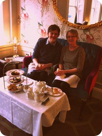 فرانسيس هوتل باث - مجاليري كولكشن:                   M'ma and I at our table                 