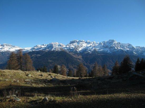 Hotel Garni dello Sportivo: Le Dolomiti di Brenta