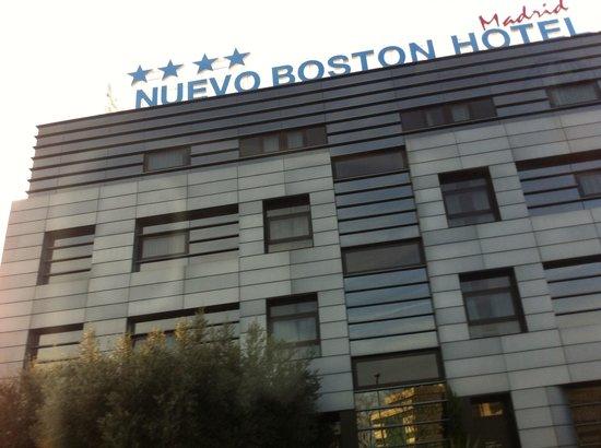 Hotel Nuevo Boston:                   The front