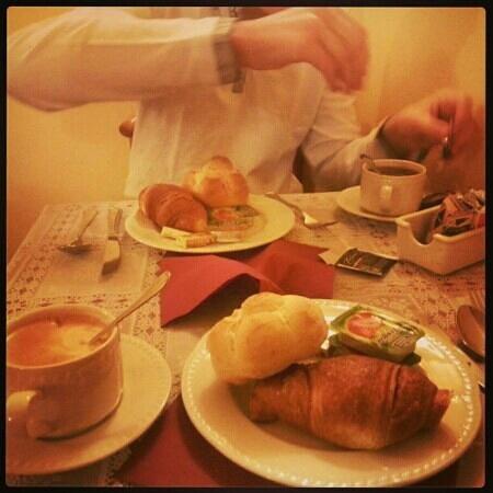 Gambrinus Hotel: petit déjeuner