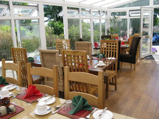 Hammonds Park: Breakfast in the Conservatory