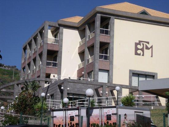 Hotel Escola :                                     vue depuis la rue