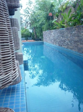 Boutique Cambo Hotel:                   Pool and Dining area
