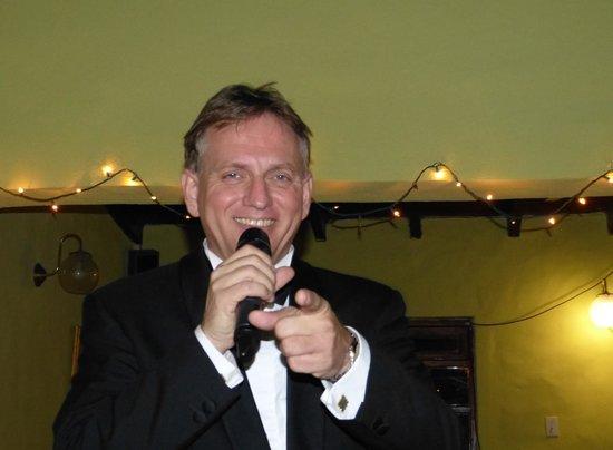 Aruba Sinatra Dinner Show:                   Blue eyes