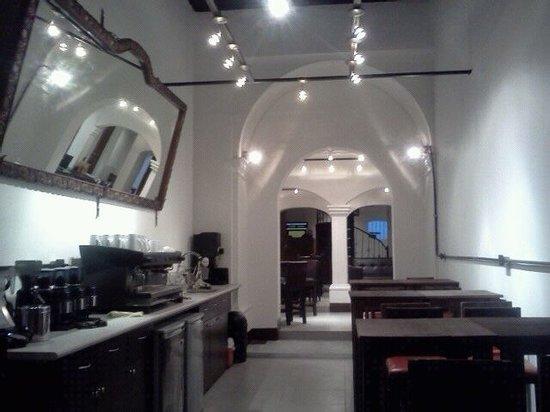 Hotel Plaza Mayor: Lobby with coffee shop