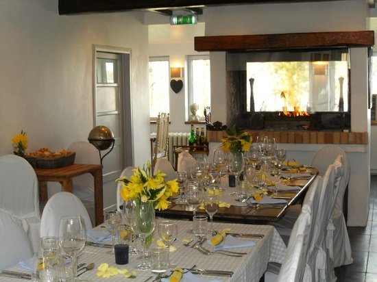 Auberge du Vieux Puits :                                                                         dining