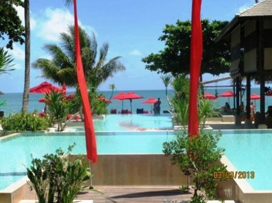 Anantara Rasananda Koh Phangan Villas:                   Hotelpool - braucht man bei diesem Meer gar nicht ;)                 