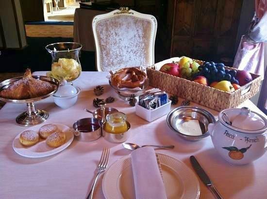 Villa Orso Grigio: Colazione ricca