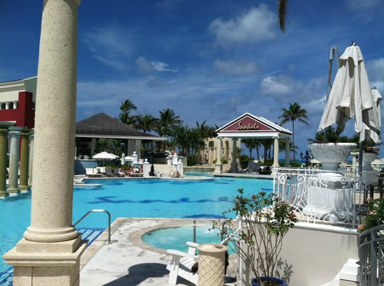 Sandals Royal Bahamian Spa Resort & Offshore Island:                   quiet pool