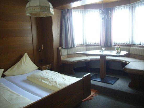 Hotel Garni Dietrich :                   THE ROOM