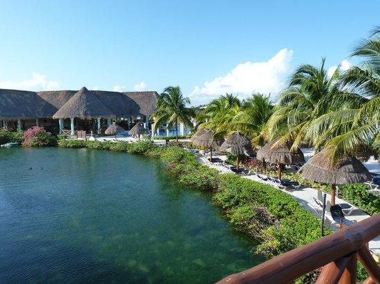 TRS Yucatan by Palladium:                                     Lac