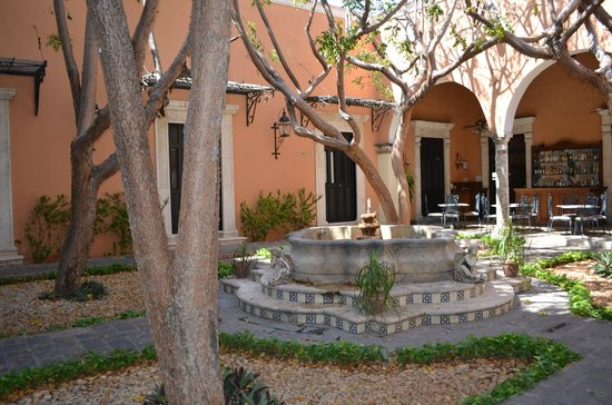 La Mision de Fray Diego:                   Front courtyard by day
