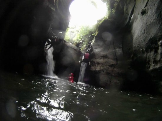 Extreme Dominica Canyoning:                   Beautiful surroundings