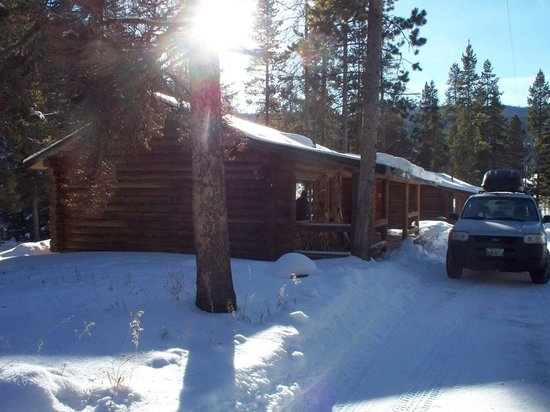 320 Guest Ranch:                                     Log Cabin # 40
