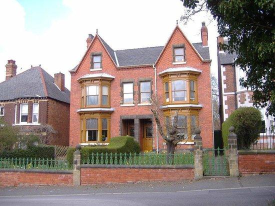 Mr Straw's House: 5/7 Blyth Grove