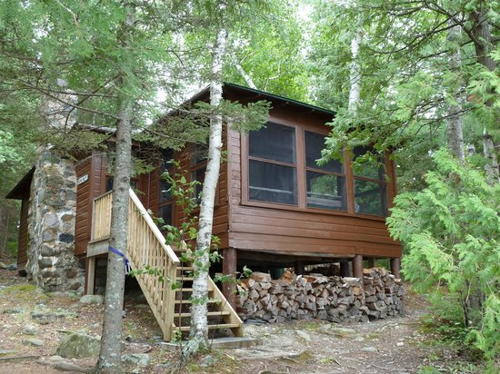 Ojibway Family Lodge :                                     A cabin
