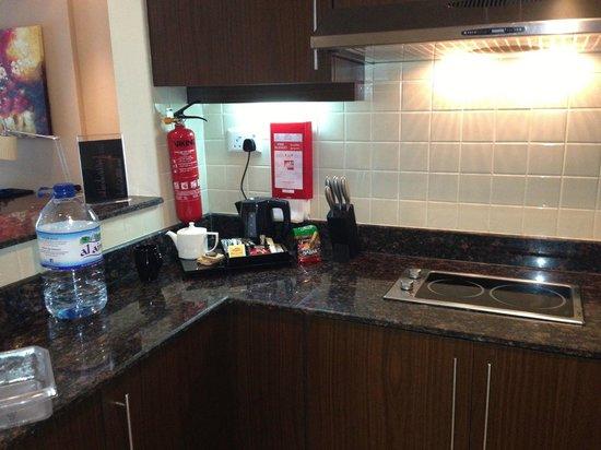 Abidos Hotel Apartment - Al Barsha:                   Кухня