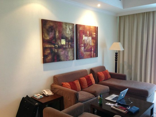 Abidos Hotel Apartment - Al Barsha:                   Холл номера