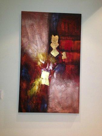 Abidos Hotel Apartment - Al Barsha:                   Картины в номере
