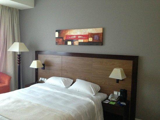 Abidos Hotel Apartment - Al Barsha:                   Спальня