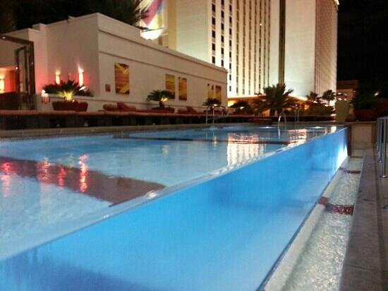 Infinity Pool Picture Of Golden Nugget Hotel Las Vegas Tripadvisor