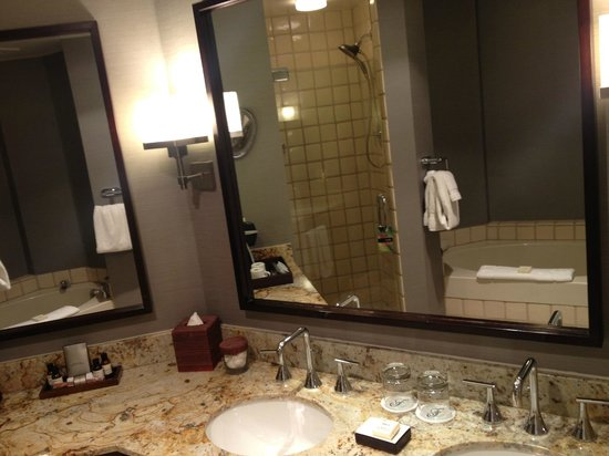 bathroom traditional antique products collection vanities fairmont mirror w benton bc aw vanity white collections style set classic sink