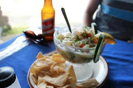 Bar & Restaurant Las Brisas:                   Ceviche!