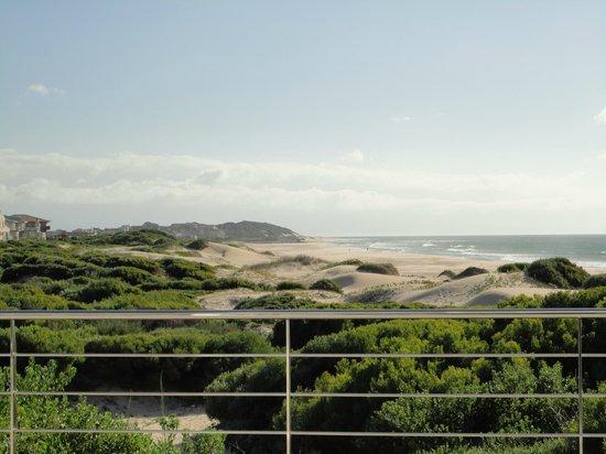 Moya Manzi Beach House:                   Blick von der Frühstücksterrasse
