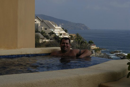 Capella Ixtapa:                   Our infinity edge plunge pool
