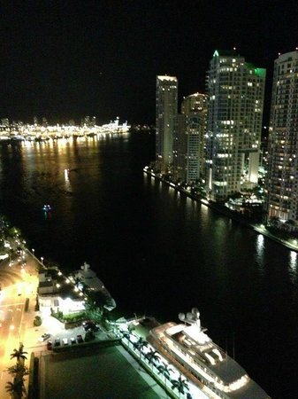 EPIC Hotel - a Kimpton Hotel :                   Night View from Balcony... Miami Beach in Distance