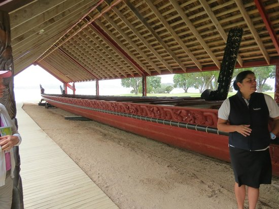 Waitangi Treaty Grounds:                   Largest ceremonial war canoe in the world!