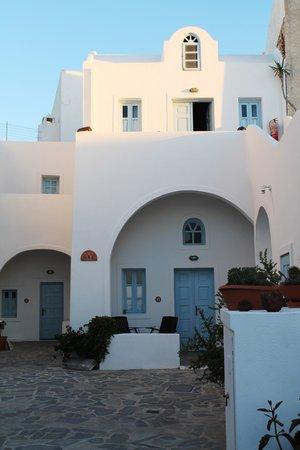 Aethrio Hotel:                   vista de la casita en la que estuvimos