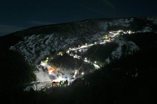 Mission Ridge Ski and Board Resort : Night Skiing