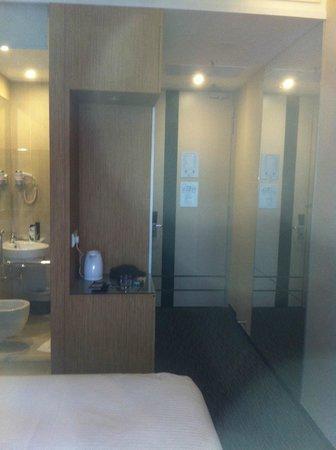 The Seacare Hotel:                                     Bathroom