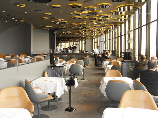 Le ciel de paris pary zdj cie restaurant tripadvisor - Restaurant ciel de paris 56eme etage ...