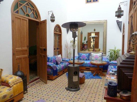 Riad Idrissides:                   le salon
