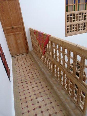 Riad Idrissides:                   balcon intérieur