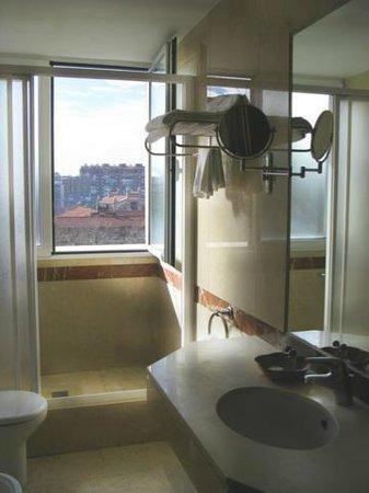 Hotel Gran Legazpi:                   Baño