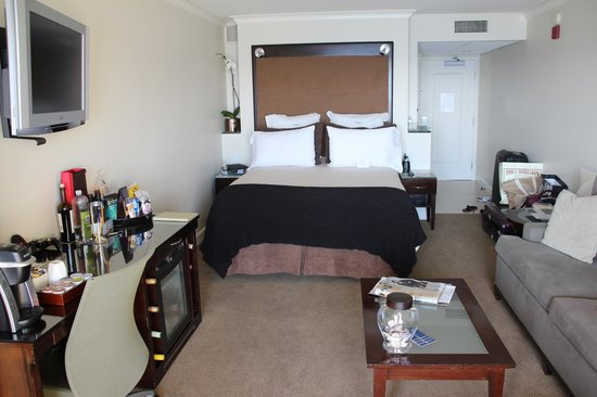 Malibu Beach Inn: номер - вид на океан