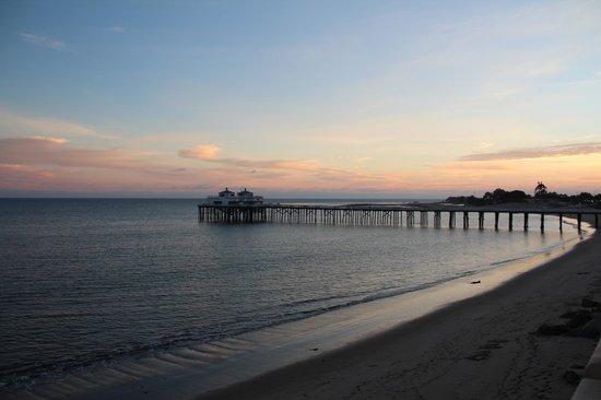 Malibu Beach Inn: вид из номера
