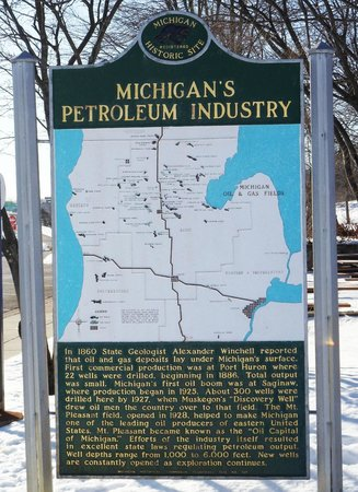 Michigan Pertroleum Industry historical marker - Clare, MI