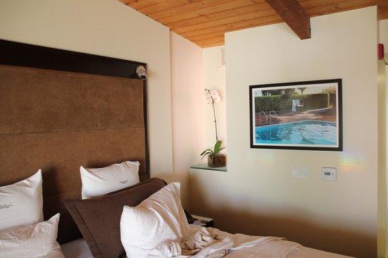 Malibu Beach Inn: угловой вид на океан
