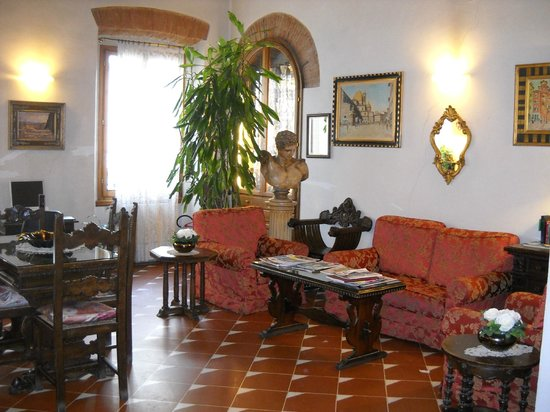 Hotel Maxim:                   ingresso